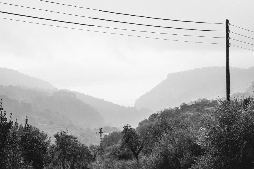 Landskap med master. Foto.