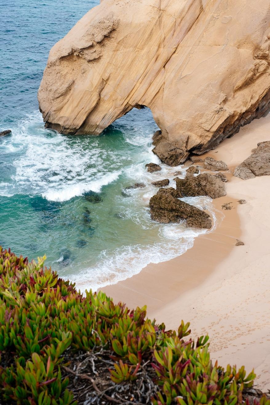 Beach and rocks. Photographer: Helena Bergqvist.