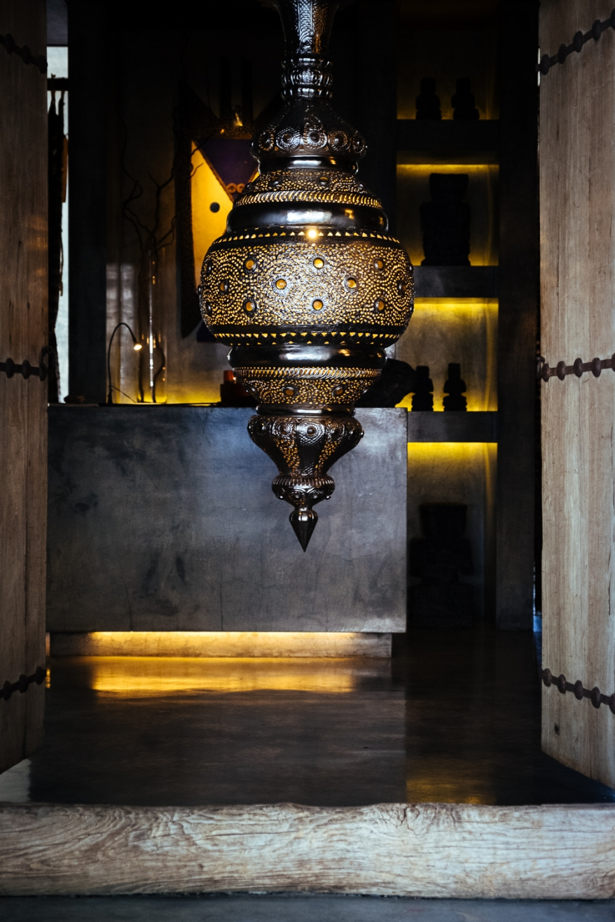 Orientalisk lampa på spa. Foto.