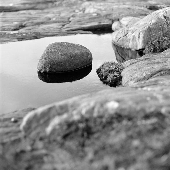 Stone in water. Photographer: Helena Bergqvist.